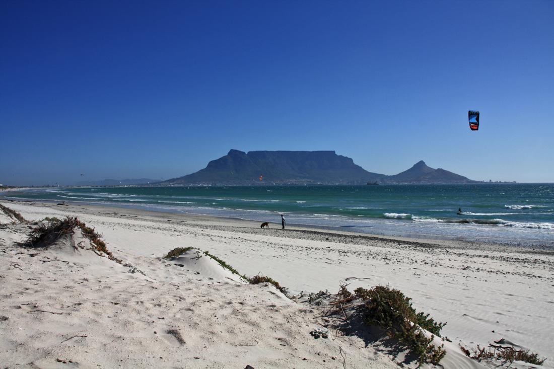 table-view-kite-strand