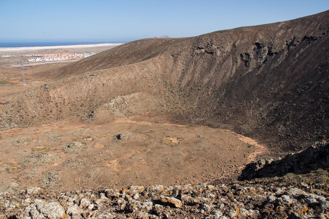 corralejo-vulkan-krater