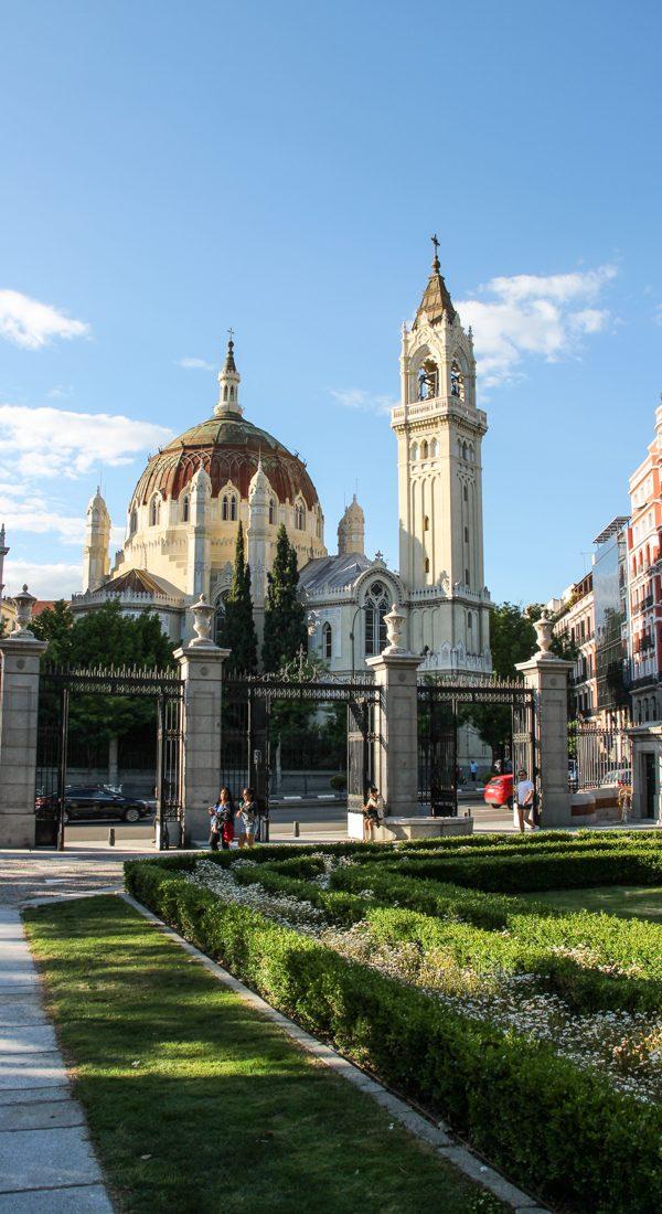 madrid-park-de-el-retiro-kirche