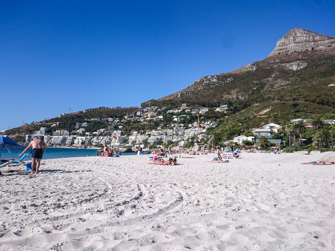 camps-bay-strand-lions-head