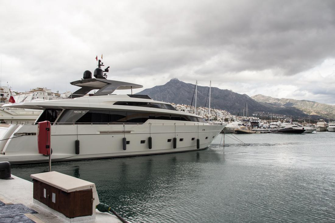 marbella-portbanus-yacht